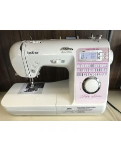 Brother Innovis 40e Project Runway Demo Sewing Machine